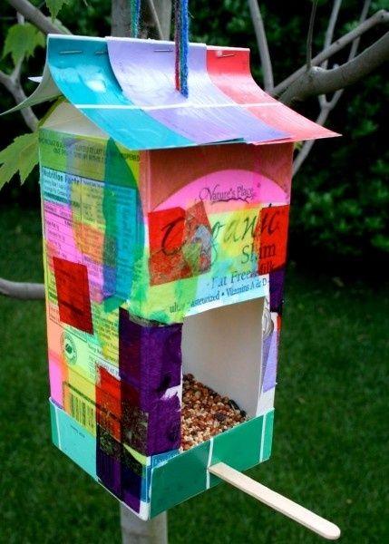 Кормушка для птиц  из пачки