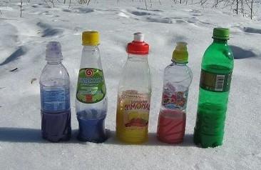 подкрашенная вода для рисования на снегу snow paints
